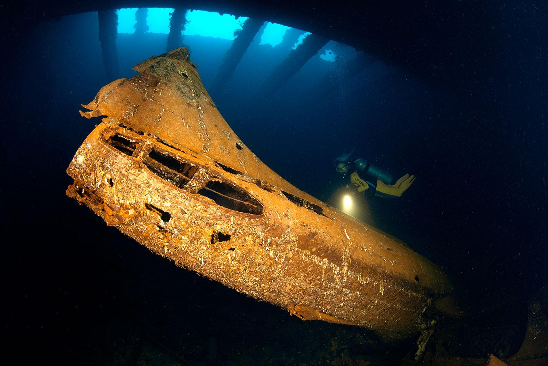 Truk Lagoon - Teil eines Flugzeug Wracks im Schiffs Wrack